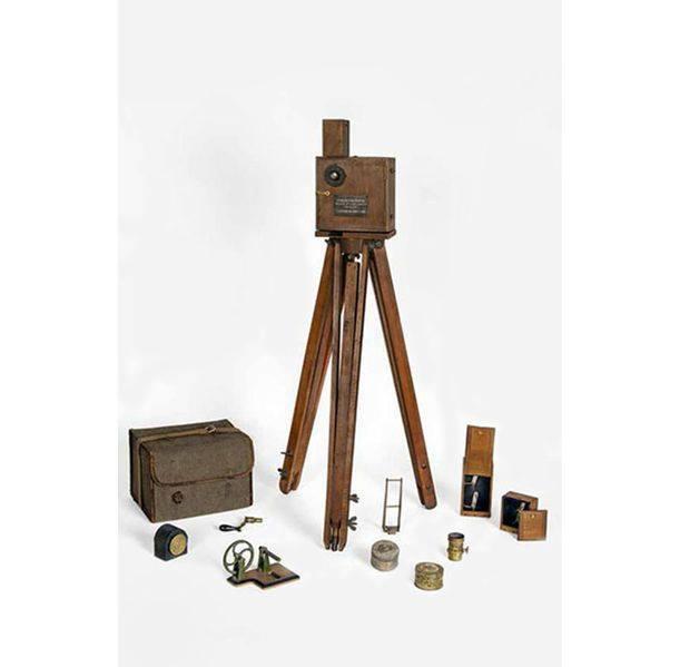 Le Cinématographe Lumière et ses accessoires, Paris, 1895-1896