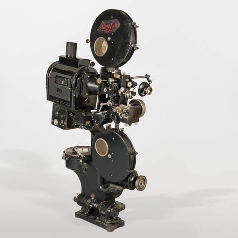 Projecteur 35 mm sonore, équipé d'un lecteur de disque type Vitaphone et d'un lecteur de son optique type Movietone, Rotterdam, c. 1929