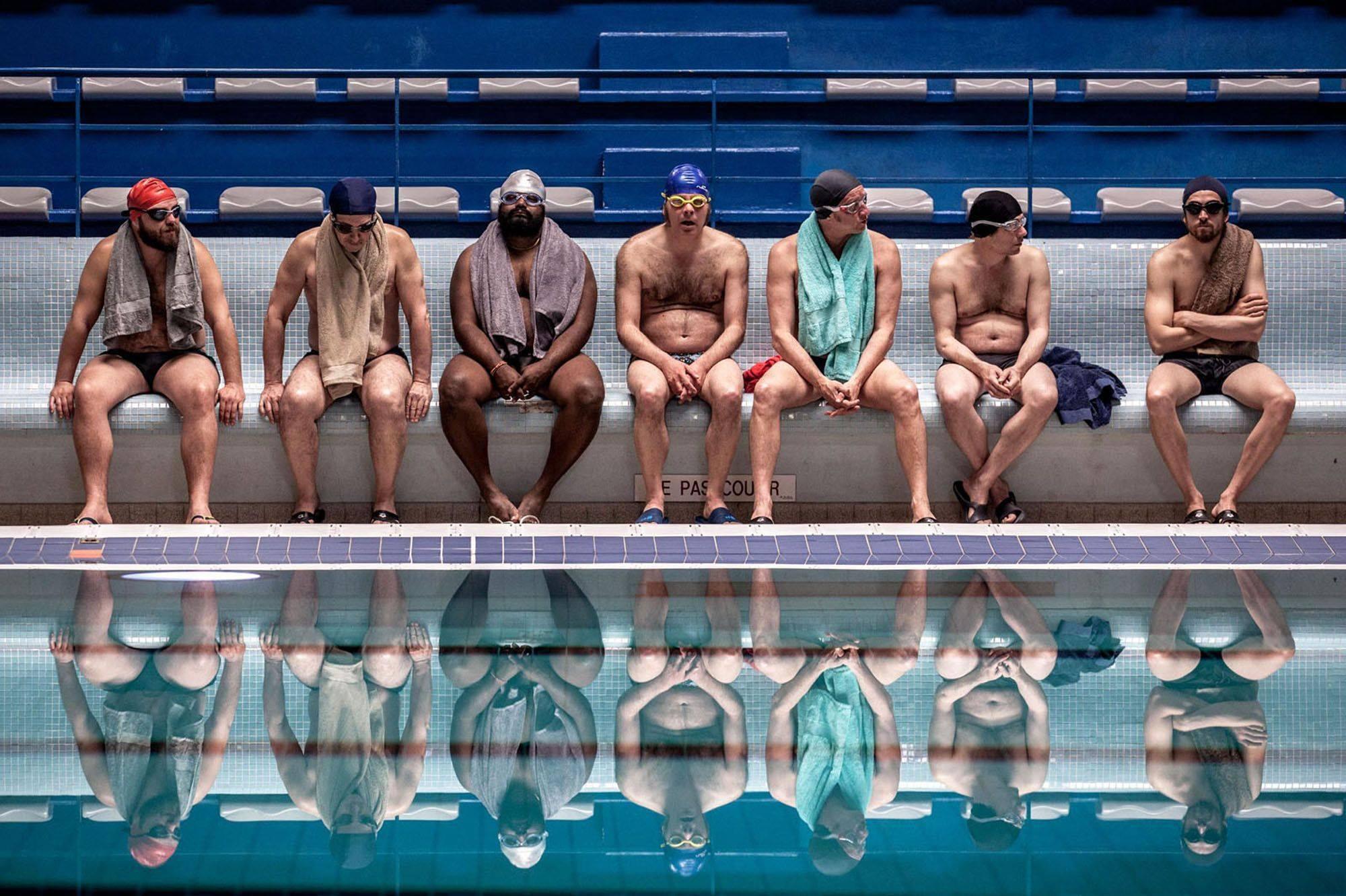 Le grand bain gilles lellouche piscine assis